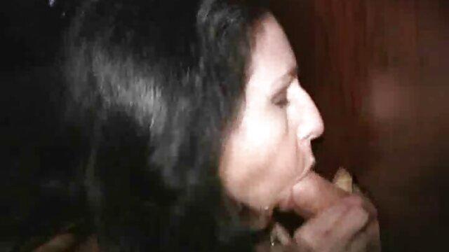 ブロンドは彼女の膣のマッサージ師の残忍なマッサージが好きでした 女性 専用 無料 無 修正 動画